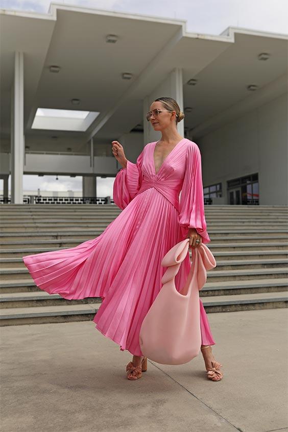 Розовият цвят за големи момичета