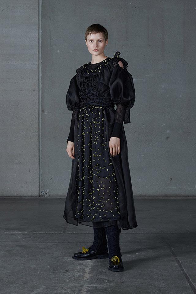 Черните рокли са хит през есен 2021