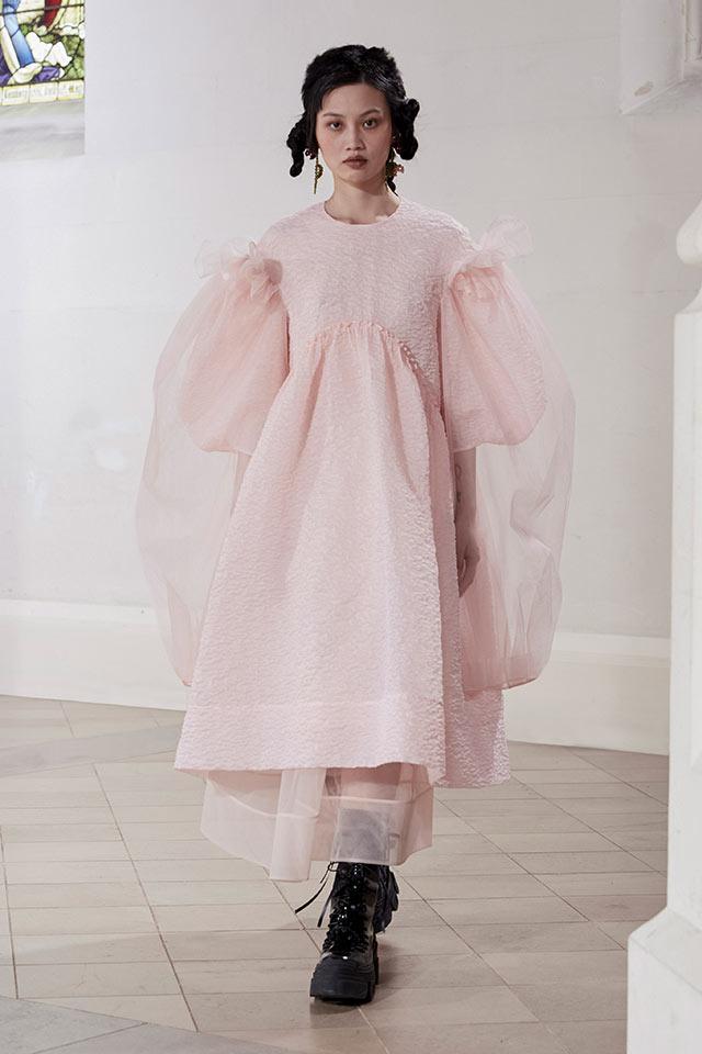 Какви рокли ще са модерни през Есен 2021